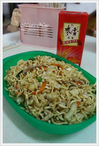 【金門好好玩】鴻美餐飲百貨~簡單炒泡麵卻是大美味