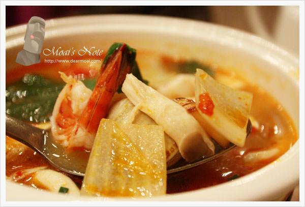 【北市大安區】湄河泰式餐廳~價格不斐但是蝦餅十足好吃!