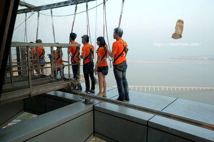 【2014澳門一日吃八餐】Macau Tower 澳門旅遊塔~高空笨豬跳測試你的膽量