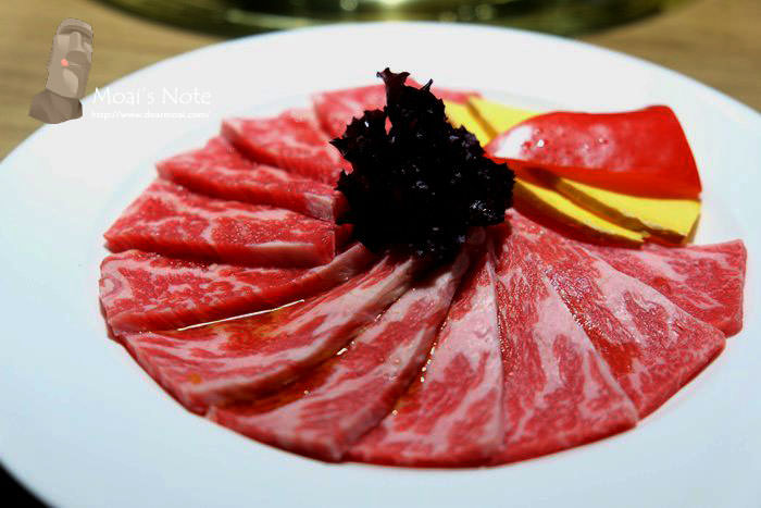 【台中市西屯區】屋馬燒肉料亭‧中港店~無須任何醬料就超美味的好吃燒肉