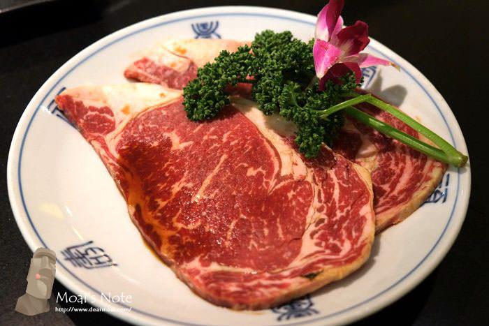 【台中市西屯區】兩班家韓式碳烤~專人服務好吃免動手但一貴還有一貴貴