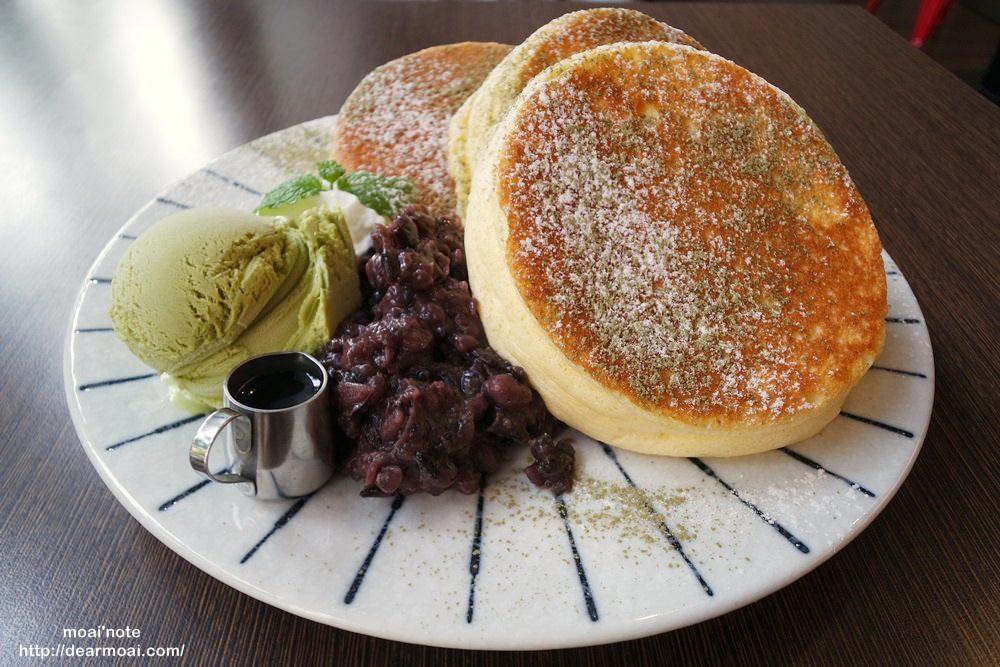 【台中市西區】小豚輕食。日式漢堡&Pancake專賣~超厚鬆餅入口即化口感蓬鬆好夢幻