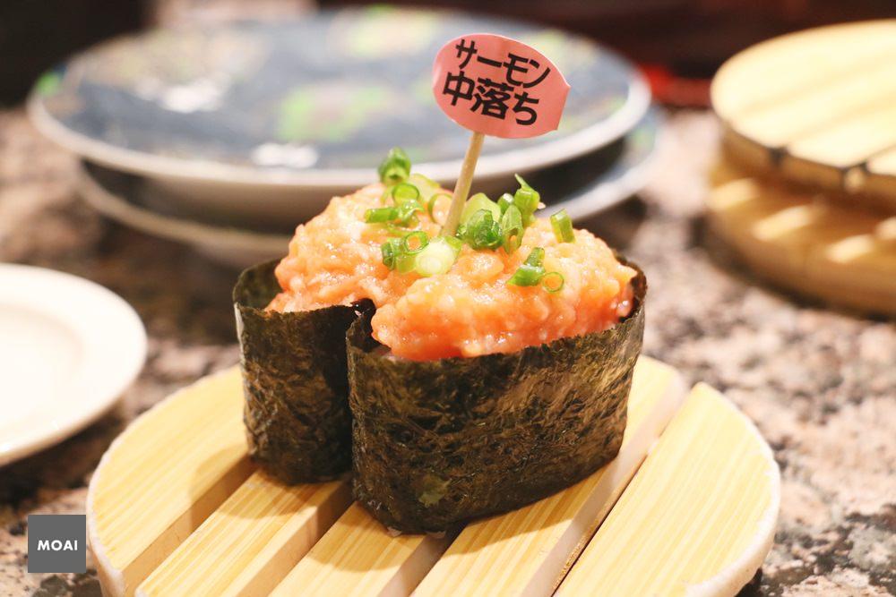 【2017北海道初心自由行】根室花丸迴轉壽司~壽司魚料新鮮人超多想吃要等很久喔!
