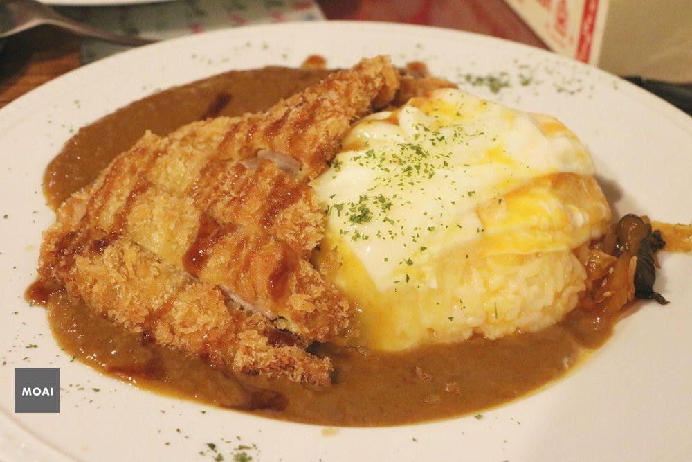 【台中市西區】異鄉人咖哩日本食堂~漢堡排咖哩多汁美味草悟道人氣咖哩店