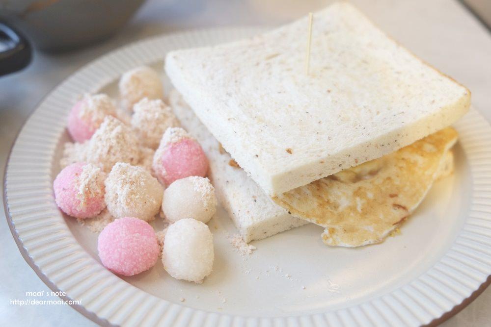 【台中市西屯區】吃光cacti早午餐輕空間~純白店面吸睛還有早餐超創意炸湯圓