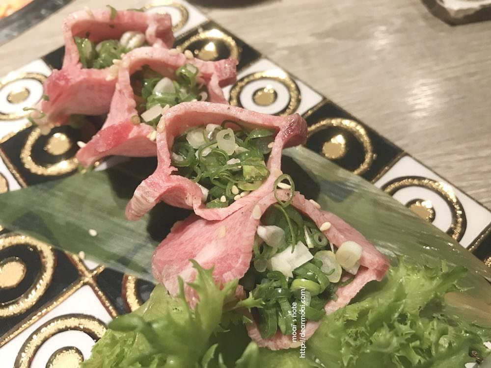【台中市北區】山鯨燒肉~吃燒肉還能欣賞櫻花造景與和服妹!