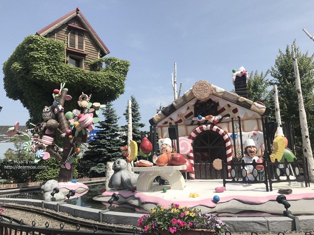 【2018北海道夏日風情畫】北海道札幌‧白色戀人公園/白色戀人觀光工廠~好看好買還是拍照勝地喔!