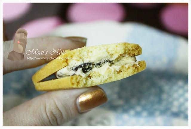 【點心】東京香蕉‧葡萄乾奶油三明治夾心餅乾~難得沒那麼喜歡!