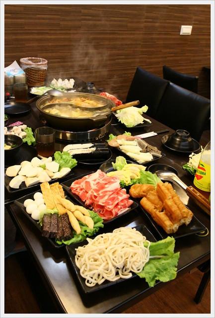 【試吃】藍公館正宗四川麻辣火鍋~麻辣鮮香好湯頭還有老闆豪可愛